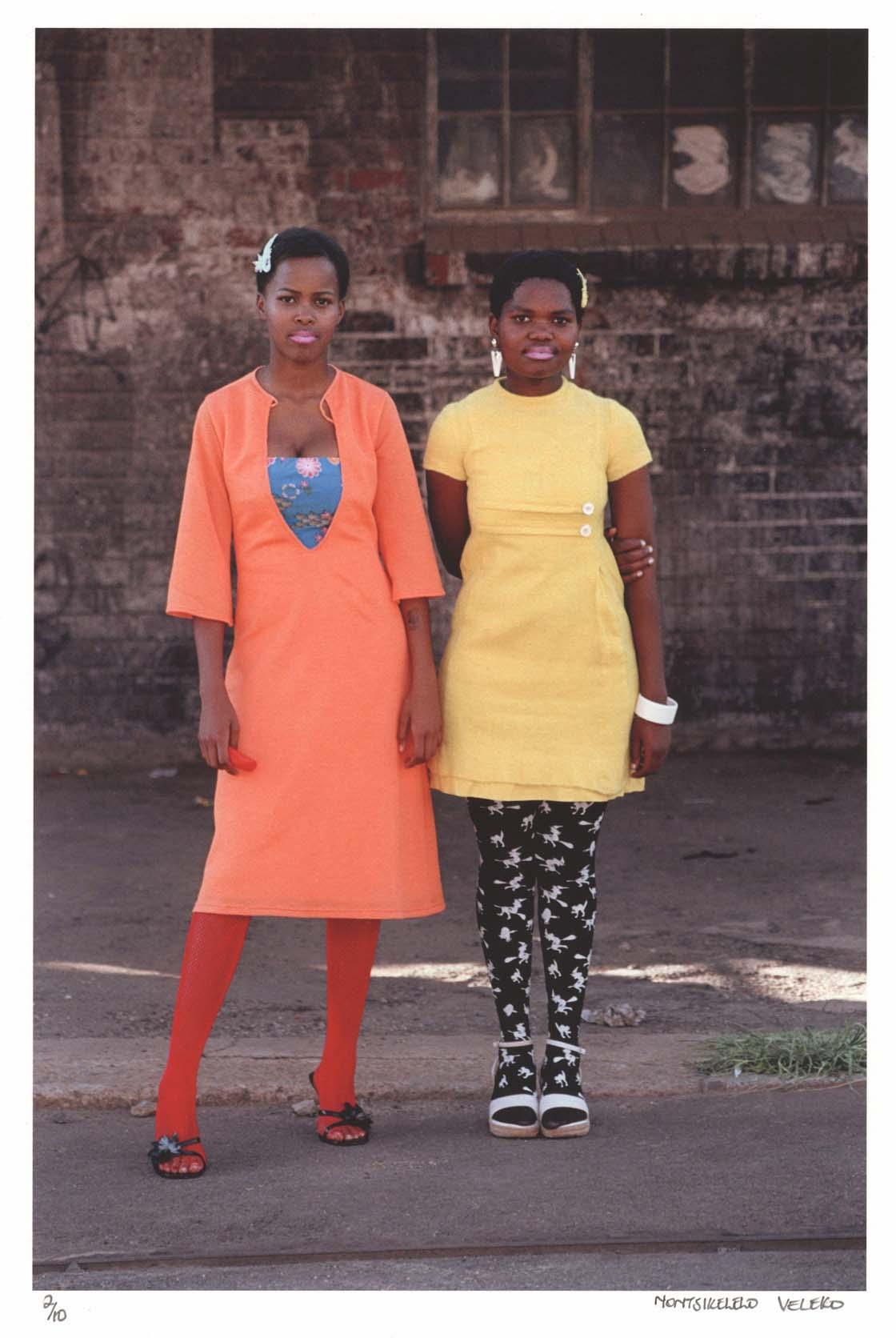 """Photo: """"Cindy and Nkuli"""" de Nontsikelelo Veleko"""
