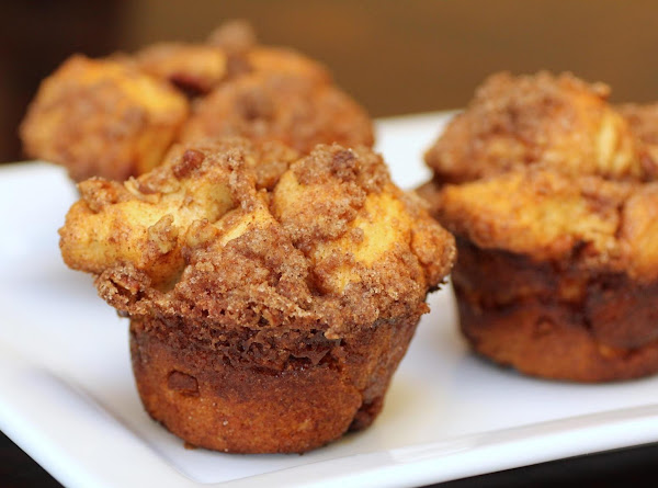 Cinnamon Crunch Cobblestone Muffins Recipe