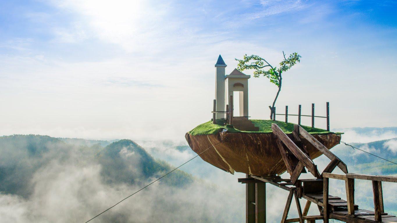 Bukit Panguk Kediwung bagaikan negeri di atas awan