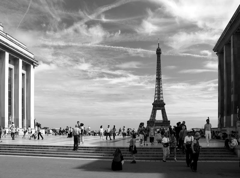Passanti sotto il cielo di Parigi di darkside_63
