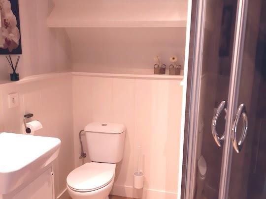 Nieuwe badkamer bij de vakantiewoning Melroste te Magoster