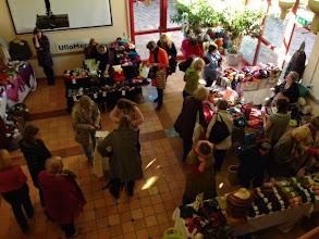 Photo: På Torget surrade det runt de många utställande företagen på plats från såväl Åre som Enköping.