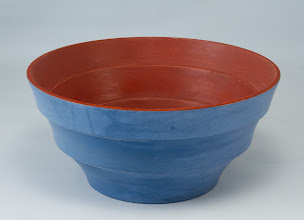 "Photo: Stan Wellborn 8"" x 4"" painted bowl [holly, milk paint]"