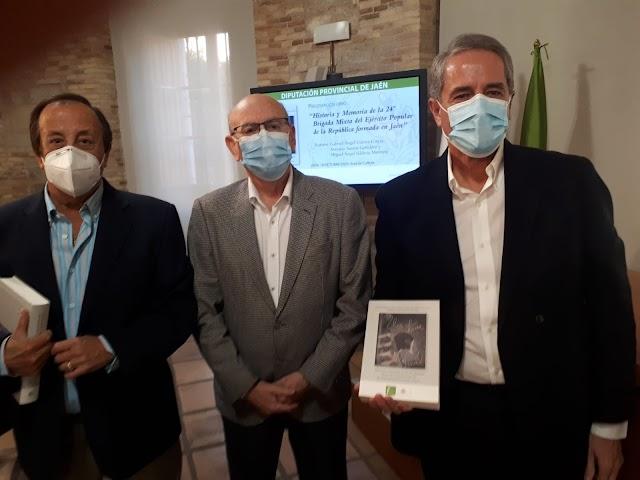 Los autores Gabriél Gámez, Antonio Santos y Miguel Ángel Valdivia, investigadores.