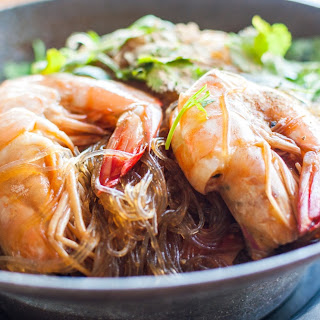BAKED PRAWNS AND MUNG BEAN NOODLE.
