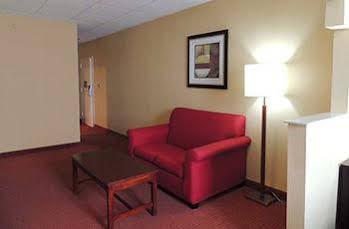 Baronne Inn & Suites