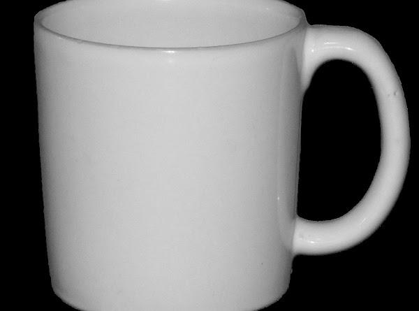COFFEE MUG The traditional mug used for hot coffee. Typical Size: 12-16 oz.
