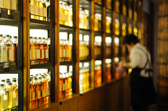 """Photo: This photo appeared in an article on my blog on Jan 22, 2013. この写真は1月22日ブログの記事に載りました。 """"Suntory Yamazaki Distillery Photogenic """"Whisky Museum"""""""" http://regex.info/blog/2013-01-22/2191"""