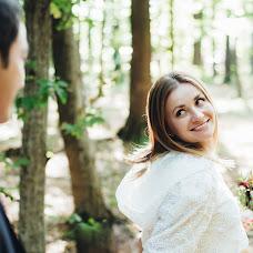 Wedding photographer Vita Yarema (jaremavita). Photo of 01.10.2017