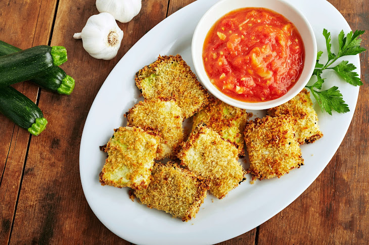 Crispy Zucchini Chips with Roasted Tomato Dipping Sauce Recipe