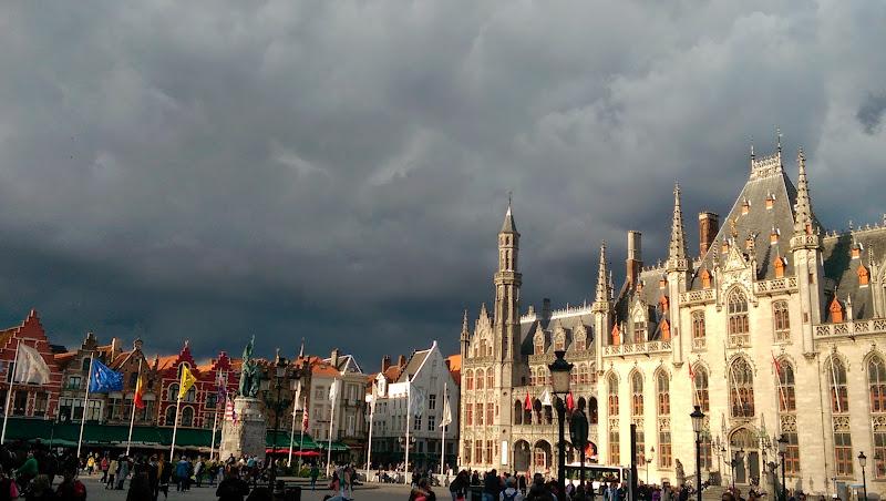 Photo: Market in Bruges / Markt in Brugge
