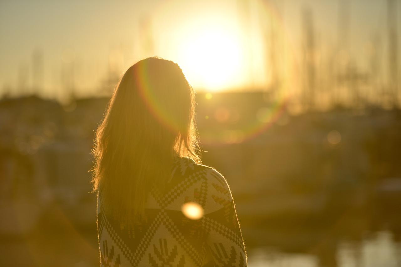 Como se abraça a luz... aquela que geras na essência?