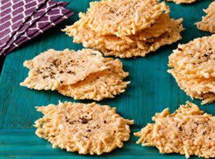 CRACKED PEPPER-PARMESAN CRISPS