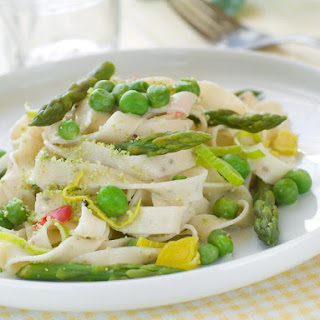 Lemon Asparagus Noodles