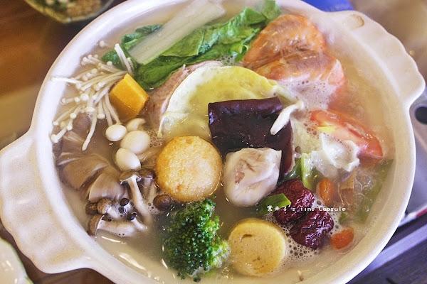 托斯卡尼艷陽下-每天限量又製作費工的回春膠原火鍋+香濃南瓜火鍋,健康養生又好吃~