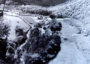 Photo: Gruberův mlýn – Rodině Grůberů patřil tento mlýn prokazatelně už od 18. století.  Později se pyšnil parním strojem i výrobou vlastní elektrické energie. Denně semlel na 10 tun obilí. Patřil tak k nejlepším v kraji.