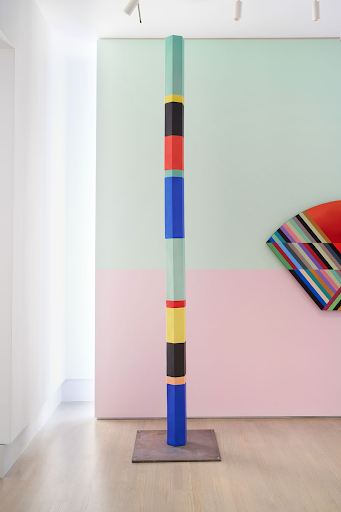 Installation view of Anton Ginzburg: VIEWs. From left: Polychrome Column 10A_01 (2019), VIEW_5A_01 (2018)
