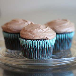 "Chocolate ""Cream Cheese"" Cupcakes"