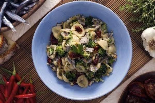 Orecchiette With Anchovies, Broccoli & Tomatoes Recipe