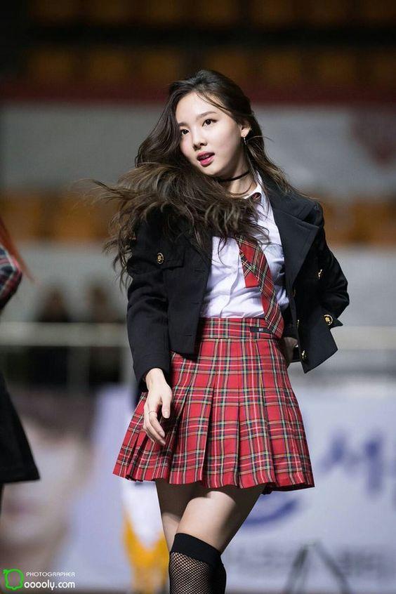 nayeon choker 56