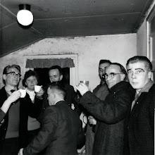 Photo: Naborrelen Bonte Avond 1960: v.r.n.l. Jan Oosting, Lucas Westerhof,Willem Wilms Jtzn., Hendrik Jan Homan, Harm Zandvoort, Jantje Martens en Willem Nijhof