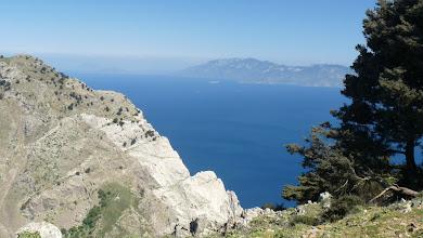 Photo: View of Nissyros island from top of M. Dikeos, Kos. Vista di Nissyros dalla cima del Monte Dikeos, Kos