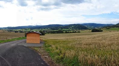 Photo: nová cesta z Jindřichova (kousek před Janovem) do polské obce Pokrzywna - pohled zpátky na českou stranu