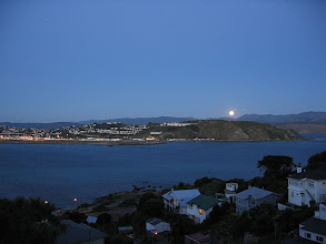 Photo: The moon rises above the eastern hills of Wellington - 6:26pm, 5-Apr-04