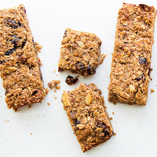 Almond-Quinoa Energy Bars