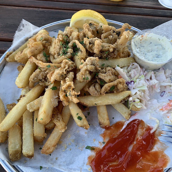 Sorry...I dug into my fried clams before I remembered to take a picture. Lol!