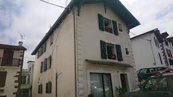 maison à Saint-Jean-Pied-de-Port (64)