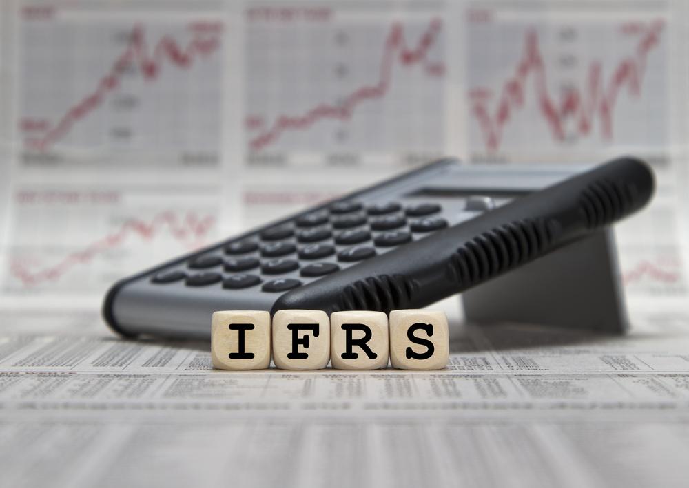 IFRS merupakan salah satu standar akuntansi keuangan yang digunakan di Indonesia