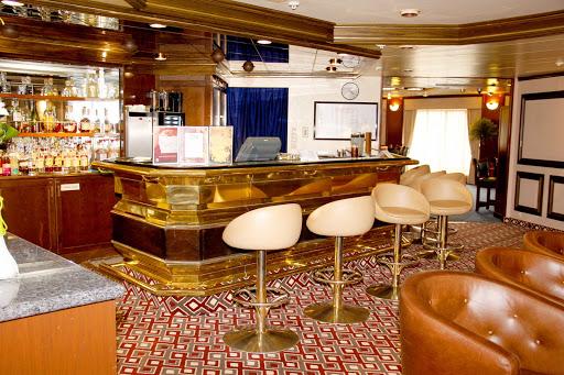 prinsendam-JavaBarAndCafe.jpg - The Java Bar and Café on Holland America's Prinsendam.