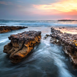 Pointing Outwards by Geoffrey Wols - Landscapes Sunsets & Sunrises ( sunrise, colour, sunset, beach, water,  )