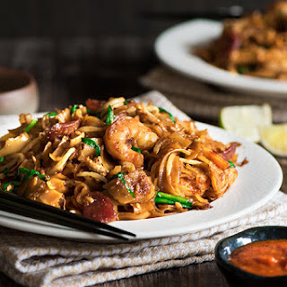 Malaysian Char Kway Teow (Fried Flat Rice Noodles)