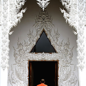 Entrance White Temple by Liang Deoz - Buildings & Architecture Other Exteriors ( pwcopendoors )