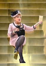Photo: Theater in der Josefstadt: DER ZERRISSENE von Johann Nestroy. Inszenierung Michael Gampe, Premiere 2.10.2014. Marianne Nentwich. Foto: Barbara Zeininger