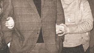 Amando Roca, durante sus años en Almería, junto a su mujer Lola Sarri Alonso.
