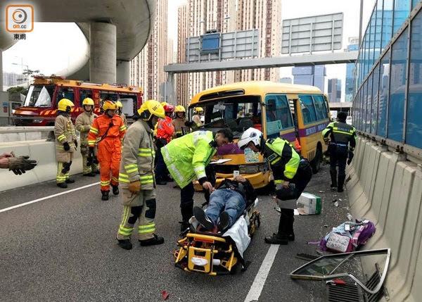 हङकङमा फेरि अर्को स्कूल बस दुर्घटना, ९ घाइते