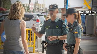 La Benemérita ha detenido a una mujer con domicilio en Vera por el hurto denunciado.