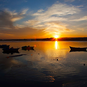PEACE by Nihan Bayındır - Landscapes Sunsets & Sunrises ( reflection, ice, sunset, peace, lake, view, landscape,  )