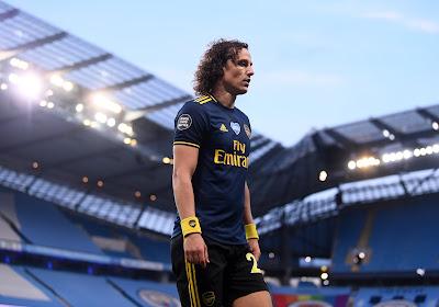 'Daags na desastreuze prestatie en smeekbede om te blijven komt David Luiz met torenhoge contracteisen'