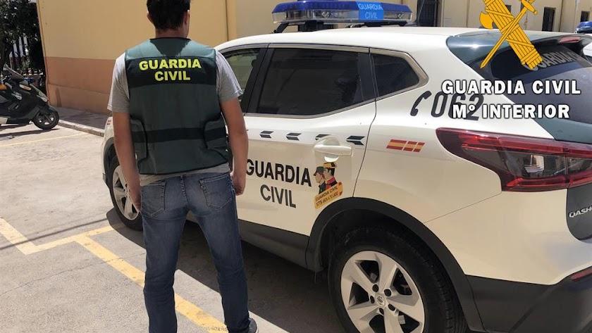 La Guardia Civil detuvo al hombre tan solo 20 minutos después del crimen.