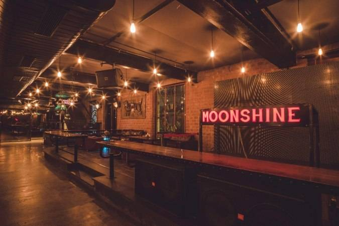 bars_pubs_cp_moonshine_image