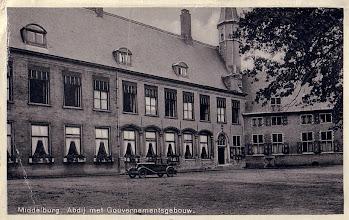 Photo: Middelburg - Abdij met Gouvernementsgebouw