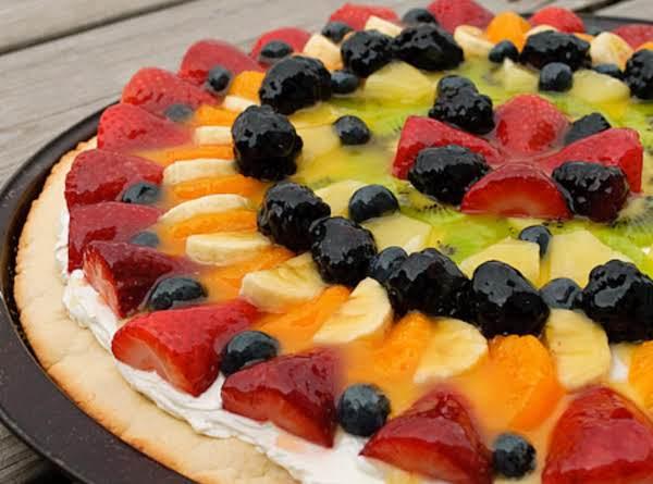 Regina's Fruit Pizza