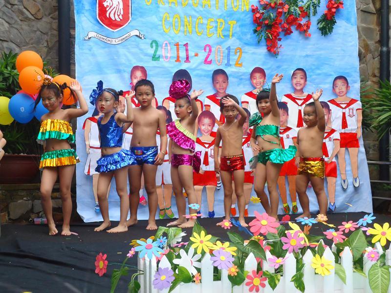 dạy bơi cho trẻ em ở tphcm
