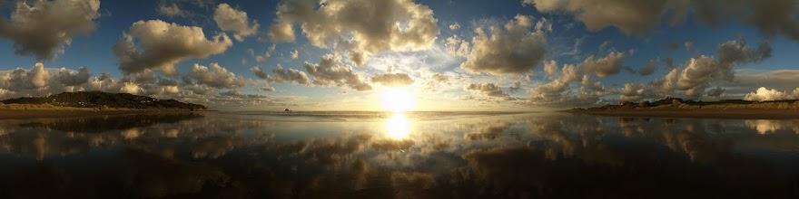 Photo: New Zealand, Northland, Auckland, Muriwai beach