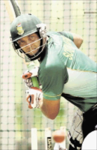 BEST : Proteas and Warriors all-rounder Jacques Kallis. Pic: Raymond Preston. 12/12/2009. © Sunday Times   Jacques Kallis, who his a rib cartilage injury and is doubtful for Wednesday's first Test, bats in the nets during the Proteas' training camp in Potchefstroom yesterday  Picture: RAYMOND PRESTON 12/12/2009 ------ 30cm deep  colour