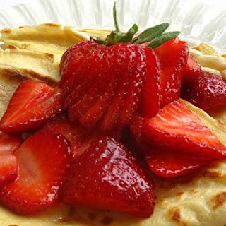 Saturday Blog Showcase #17 - Strawberry Crepes